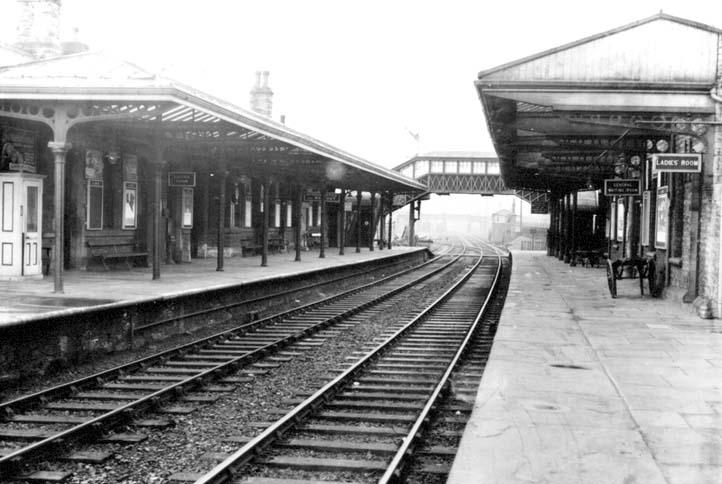 railwaystation2
